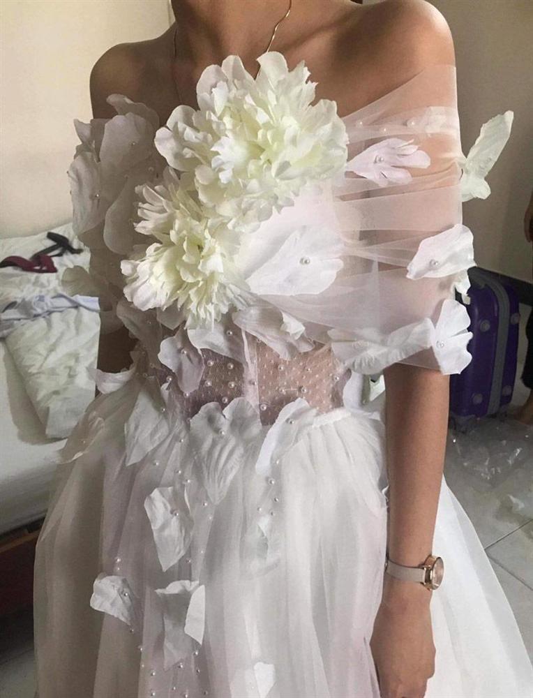 Đặt 2 bộ đầm sau khi xem livestream bán hàng online, thứ cô gái Đà Nẵng nhận về thật đáng sợ-7