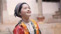 Xuất hiện ngắn ngủi trong MV giới thiệu về du lịch, thiếu nữ Hà Giang vẫn khiến dân mạng 'lịm tim' vì quá xinh đẹp
