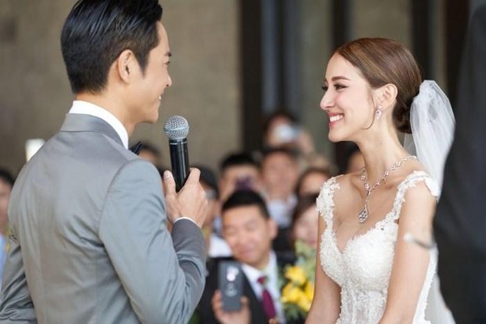 Tài tử TVB Trịnh Gia Dĩnh hôn say đắm hoa hậu Hong Kong trong đám cưới cổ tích-2