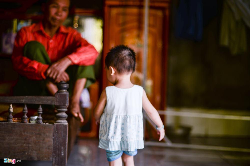 Tôi sững sờ khi biết tin con gái 18 tháng tuổi nhiễm HIV-3