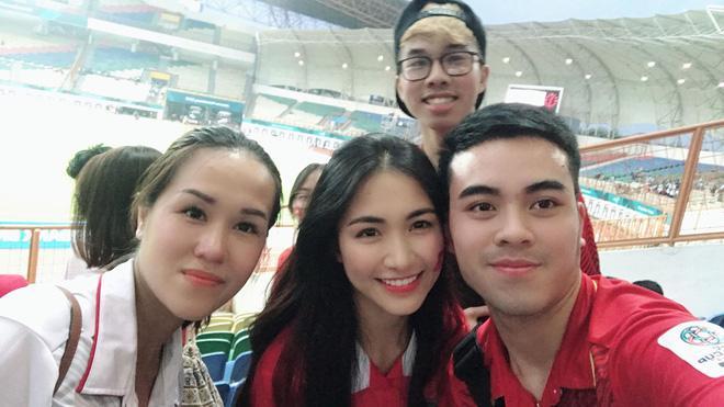 Hòa Minzy quẩy tưng bừng khi Công Phượng ghi bàn giúp U23 Việt Nam chiến thắng vẻ vang-5