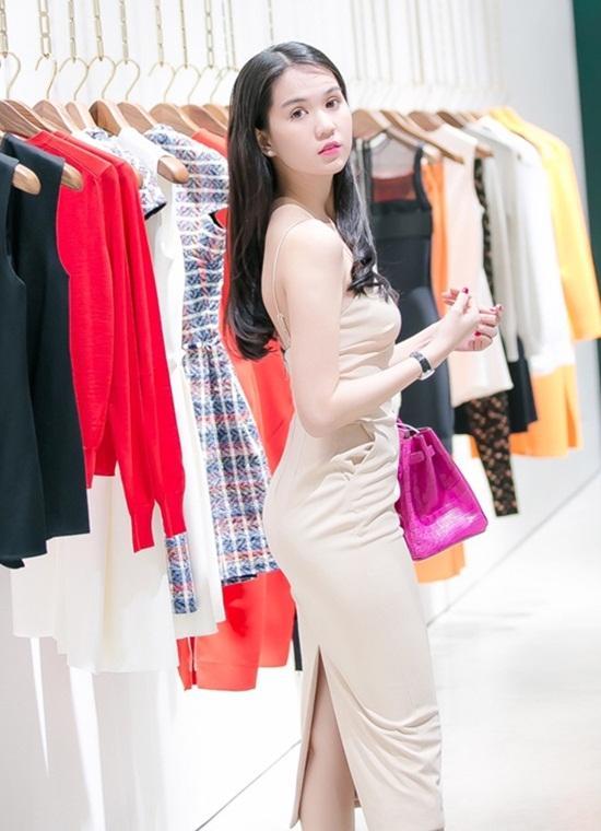 Ngọc Trinh khuyên chị em phụ nữ: Đừng nhịn ăn nhịn tiêu, muốn có bộ quần áo đẹp thì hãy mua đi-3