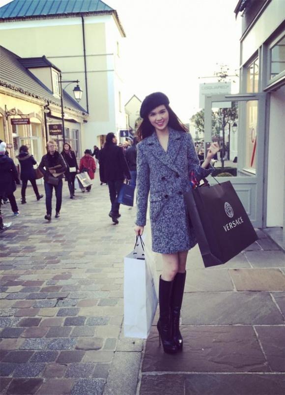 Ngọc Trinh khuyên chị em phụ nữ: Đừng nhịn ăn nhịn tiêu, muốn có bộ quần áo đẹp thì hãy mua đi-4