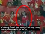 Công Phượng bối rối khi Hòa Minzy xuất hiện trên sân tập-11