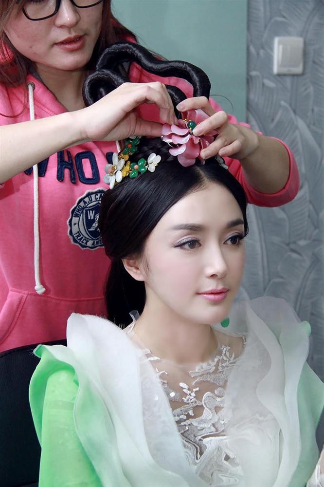 Phú Sát hoàng hậu Tần Lam trong Diên Hi Công Lược rõ ràng đẹp xuất sắc, nhưng sự thật trước khi dao kéo thì sao?-14