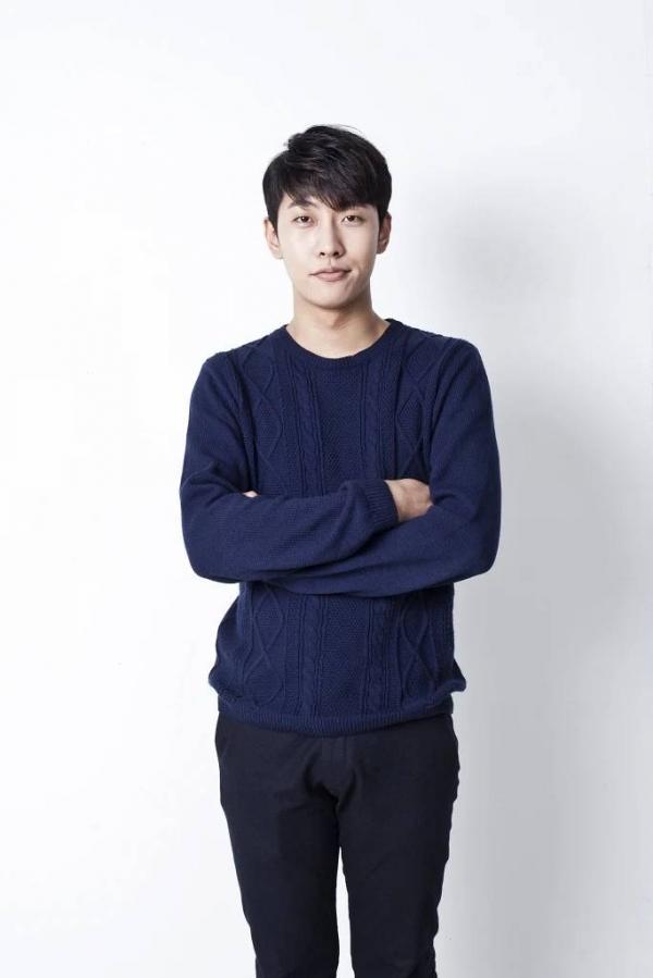 Cha đẻ hit Way Back Home Shaun tung bằng chứng đáp trả JYP sau khi bị nghi ngờ gian lận nhạc số-2