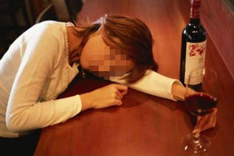 Cô gái miền Tây mất đời con gái sau khi uống rượu với giám đốc-1