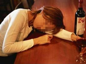 Cô gái miền Tây 'mất đời con gái' sau khi uống rượu với giám đốc