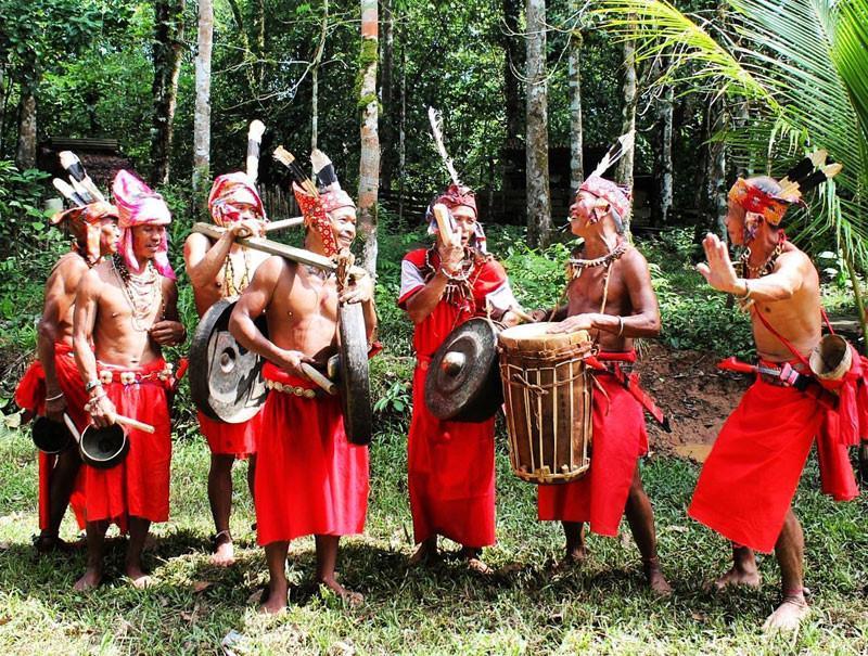 Những tập tục kỳ dị chỉ có ở Indonesia-12