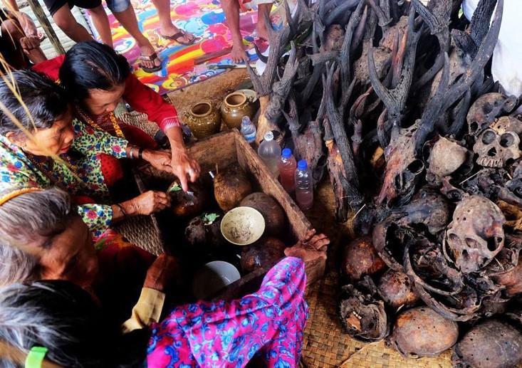 Những tập tục kỳ dị chỉ có ở Indonesia-9