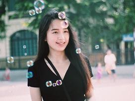 Hot girl Lào gốc Việt bất ngờ đăng ảnh dạo chơi phố đi bộ Hà Nội