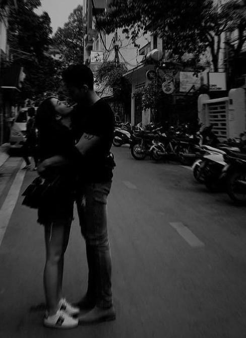 Ngọc Thảo hôn bạn trai Việt kiều say đắm sau tin đồn chia tay-4