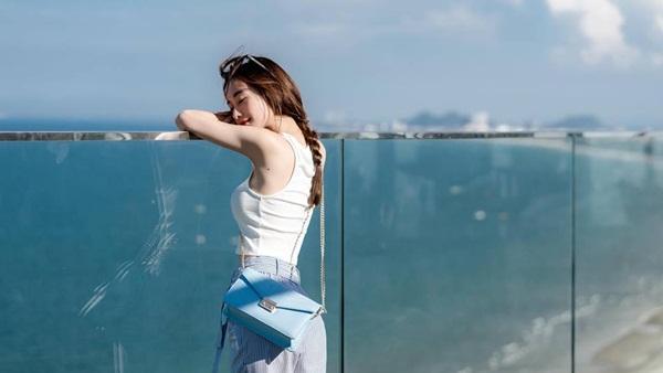 Quên Angela Phương Trinh đi, đây mới là mỹ nhân siêu vòng ba mới nhất của showbiz Việt-9
