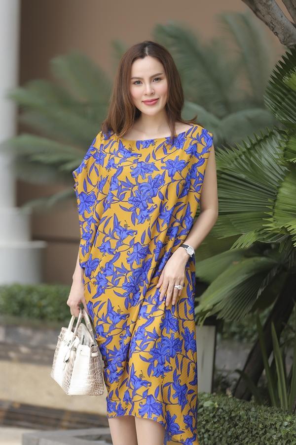 Mê mệt ngắm dàn quốc sắc thiên hương Việt Nam váy áo lộng lẫy, đài các-11