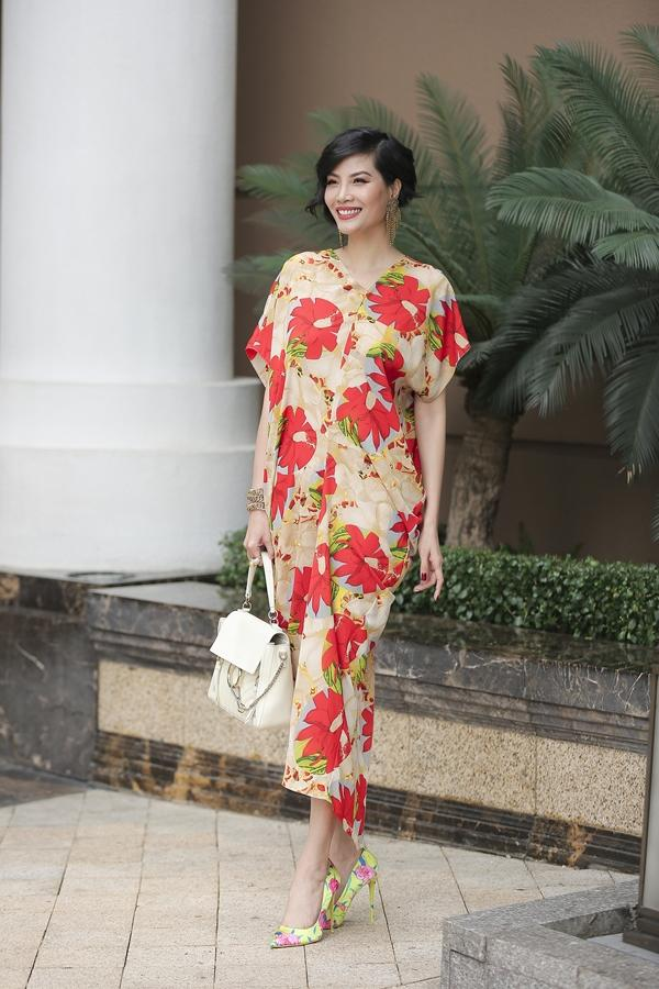 Mê mệt ngắm dàn quốc sắc thiên hương Việt Nam váy áo lộng lẫy, đài các-10