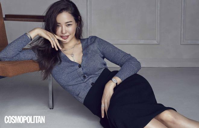Hai nhan sắc hàng đầu Hyun Bin và Son Ye Jin sánh đôi trên tạp chí-8