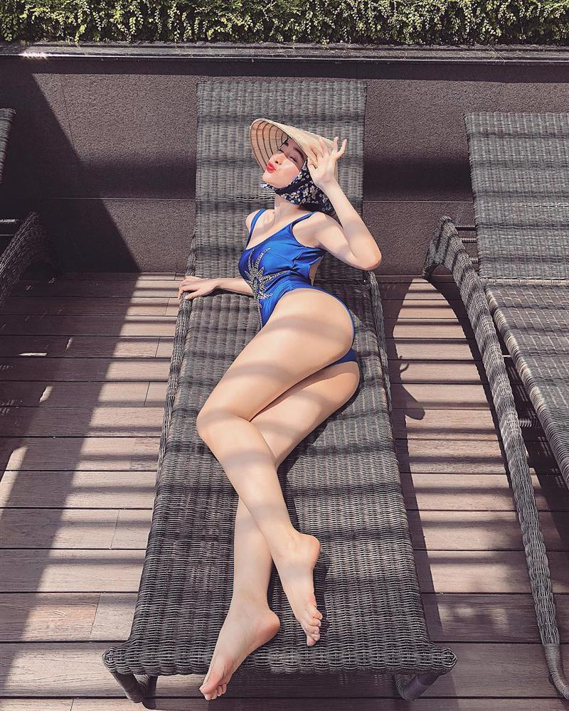 Nhìn Angela Phương Trinh miệt mài pose dáng khoe vòng 3 mà muốn vẹo xương sống-8