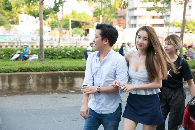 Nhã Phương đính hôn Trường Giang vào ngày 24/8?-1