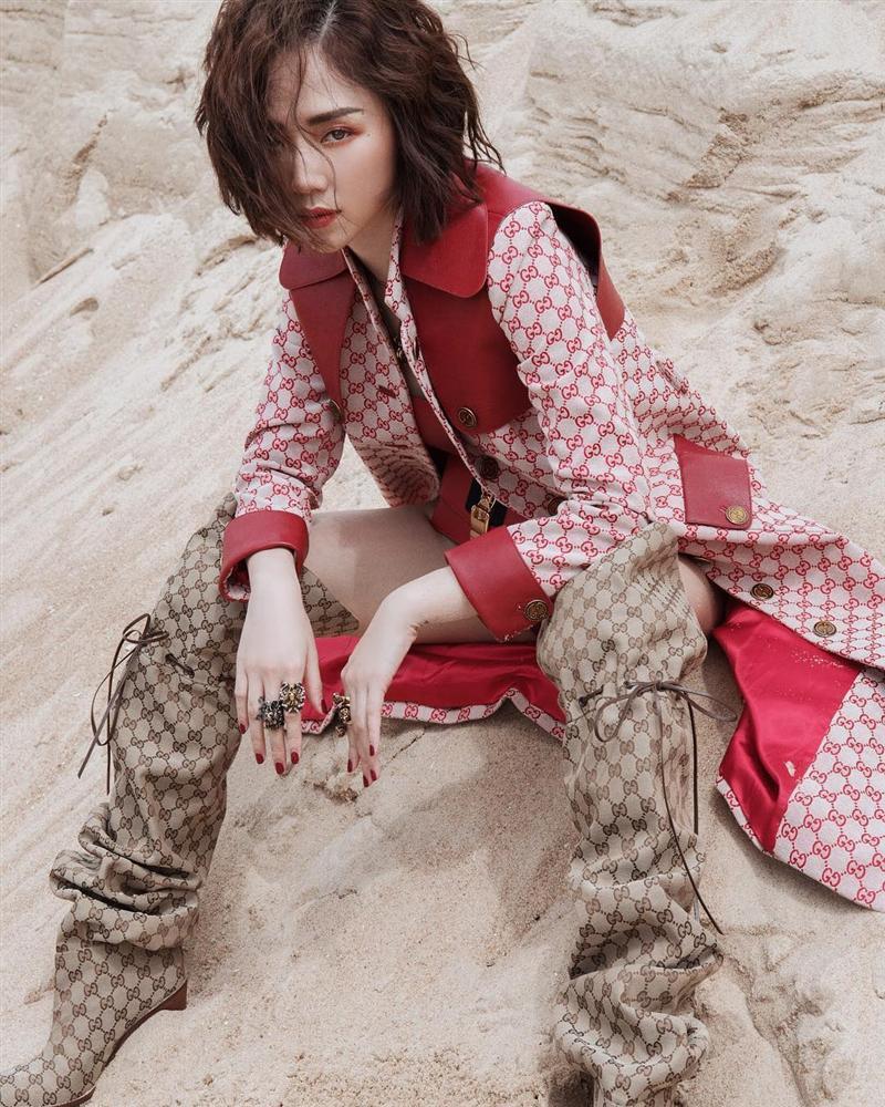 Hồ Ngọc Hà và Tóc Tiên đụng hàng: nàng thì bị chê như mặc đồ tang, cô lại làm fan tưởng mới té núi-6