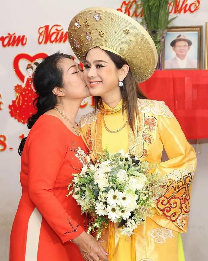 Mẹ chồng Lâm Khánh Chi bị cho là sợ con dâu đến mức chỉ cần nghe tiếng bước chân là nhận ra công chúa-4