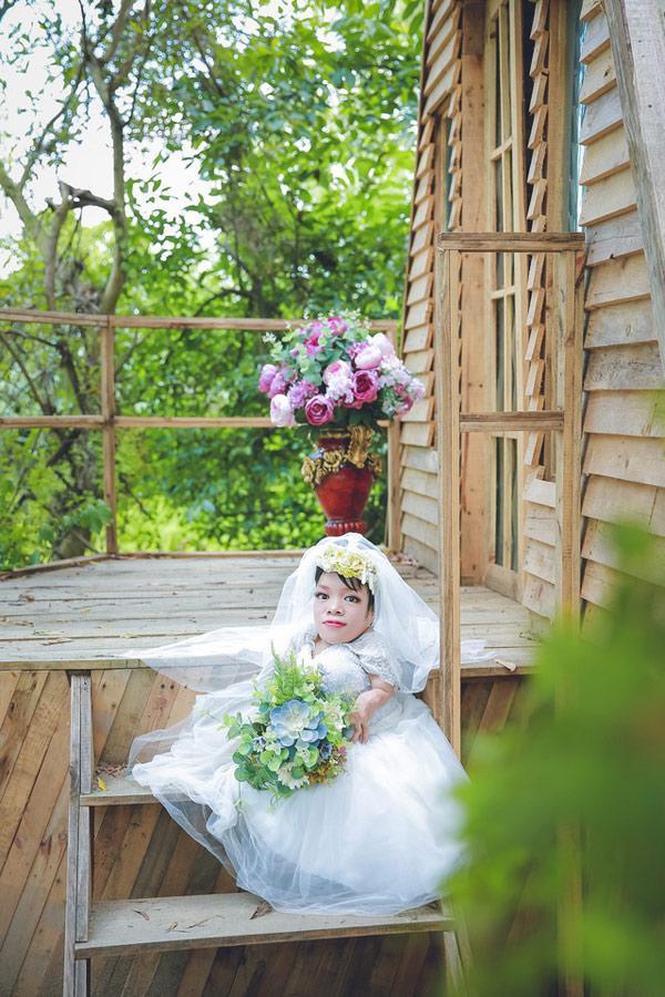 Dân mạng xôn xao trước bộ ảnh cưới của cô dâu nặng 13 kg-2
