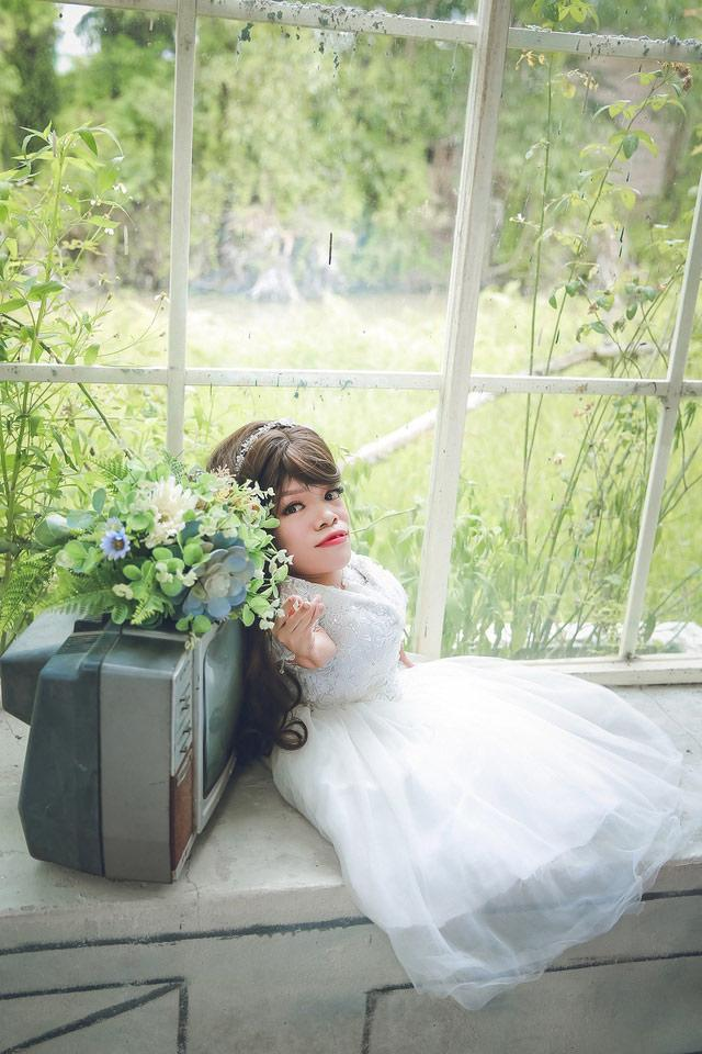 Dân mạng xôn xao trước bộ ảnh cưới của cô dâu nặng 13 kg-1