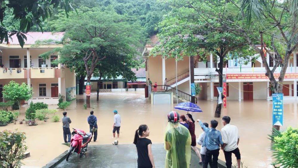 Mưa lũ hoành hành ở Nghệ An, 2 người chết-8