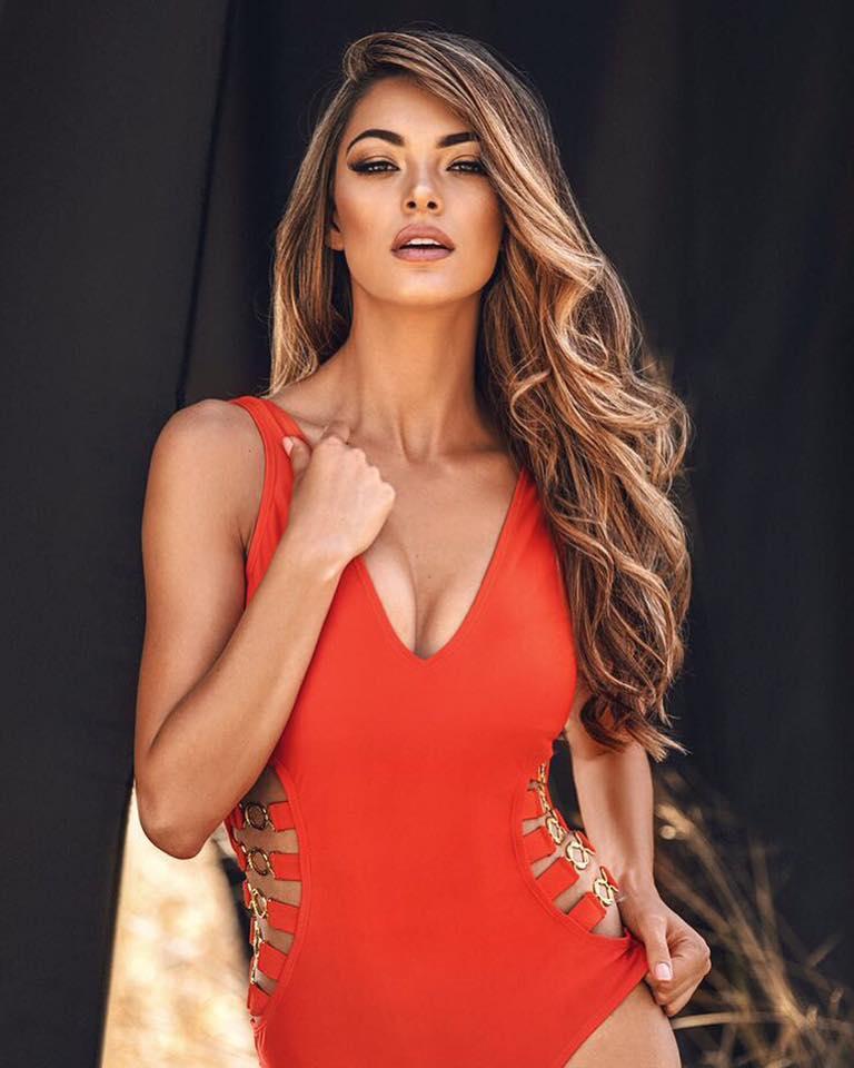 Nhan sắc khuynh thành của đại mỹ nhân vừa thắng giải Hoa hậu của các hoa hậu 2017-14