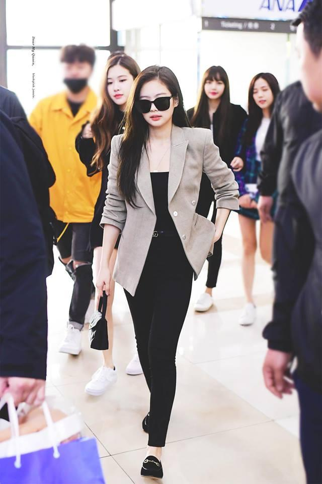 Biến sân bay thành sàn catwalk, Black Pink Jennie khiến cư dân mạng phát cuồng vì quá đẹp-3