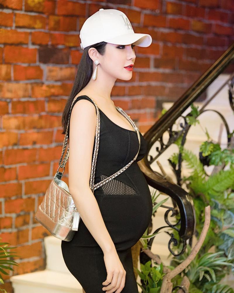Trước Nhã Phương, nhiều mỹ nhân Việt cũng bị nghi cưới chạy bầu khi mặc áo cô dâu mà bụng lùm lùm-7