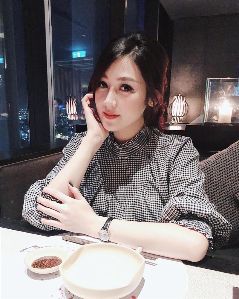 Á hậu Tú Anh thừa nhận: Từ ngày lấy chồng xong tôi hiền thật đấy-1