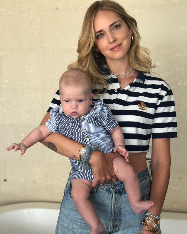 Ngả mũ trước tài mặc gì đẹp nấy của bà mẹ blogger hot nhất thế giới-10
