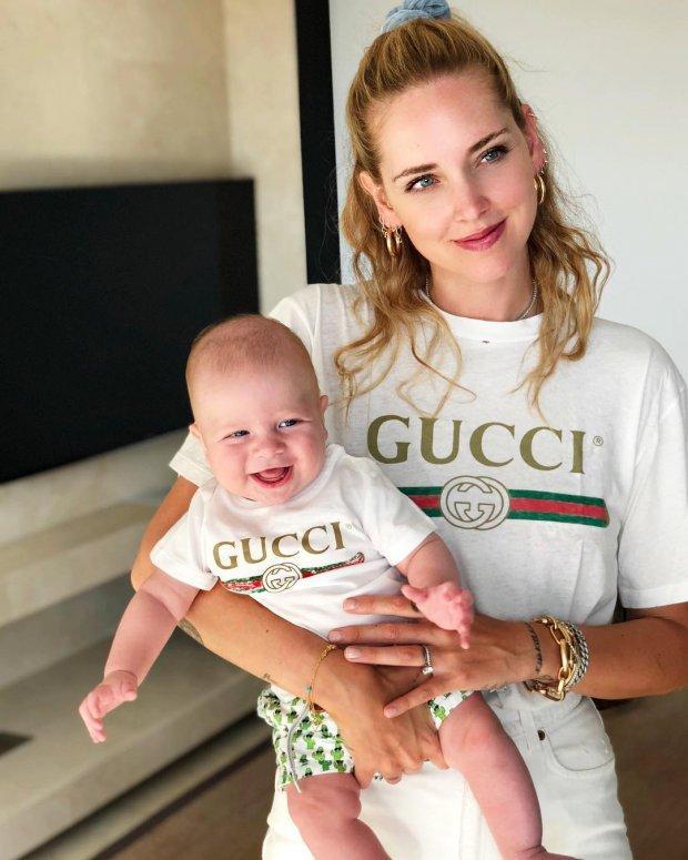 Ngả mũ trước tài mặc gì đẹp nấy của bà mẹ blogger hot nhất thế giới-11