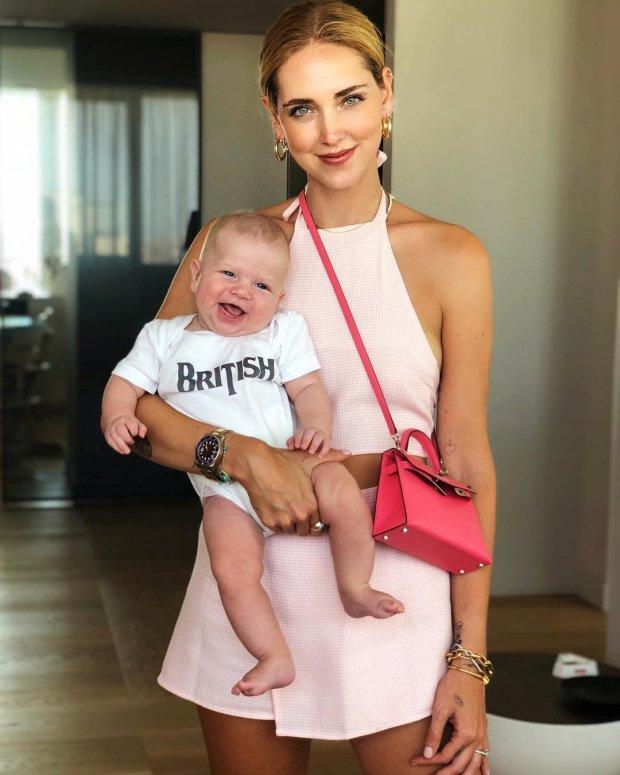 Ngả mũ trước tài mặc gì đẹp nấy của bà mẹ blogger hot nhất thế giới-9