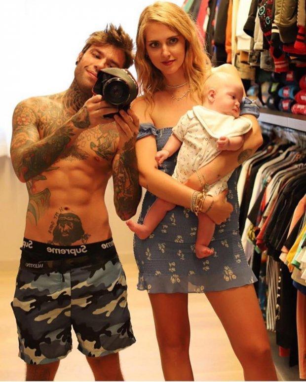 Ngả mũ trước tài mặc gì đẹp nấy của bà mẹ blogger hot nhất thế giới-13