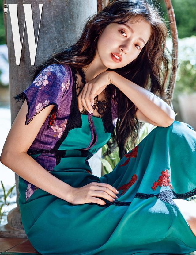 Bà xã Bae Yong Joon bị chỉ trích khi đăng ảnh cùng con trai-7
