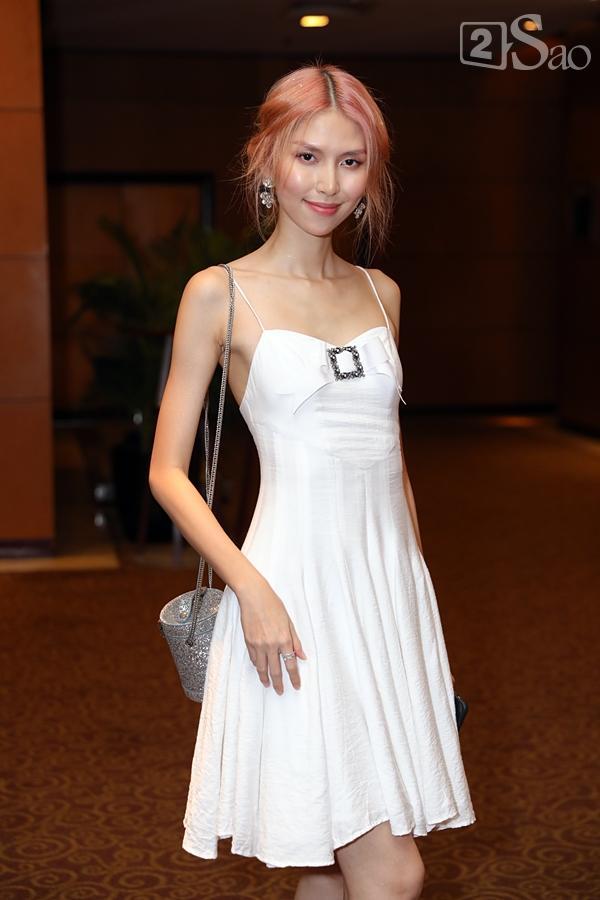 Cô dâu Tuyết Lan xuất hiện lộng lẫy cùng chồng-3
