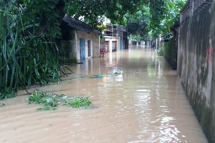 Nước dâng cao không ngừng, TP Thanh Hóa di dời 7.000 dân-1