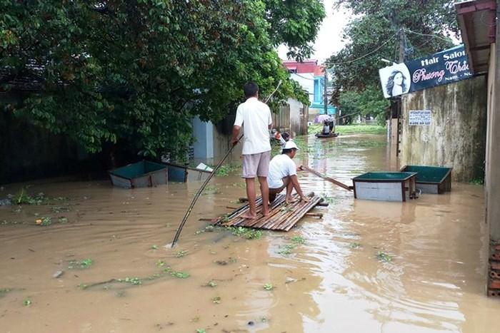 Nước dâng cao không ngừng, TP Thanh Hóa di dời 7.000 dân-3