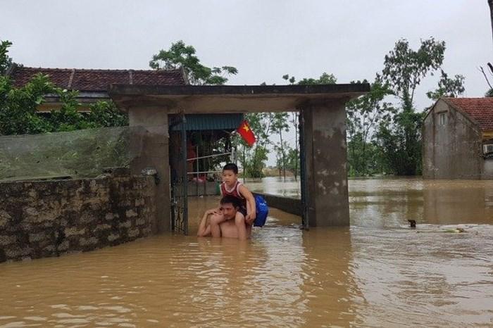 Nước dâng cao không ngừng, TP Thanh Hóa di dời 7.000 dân-4
