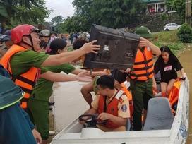 Nước dâng cao không ngừng, TP Thanh Hóa di dời 7.000 dân