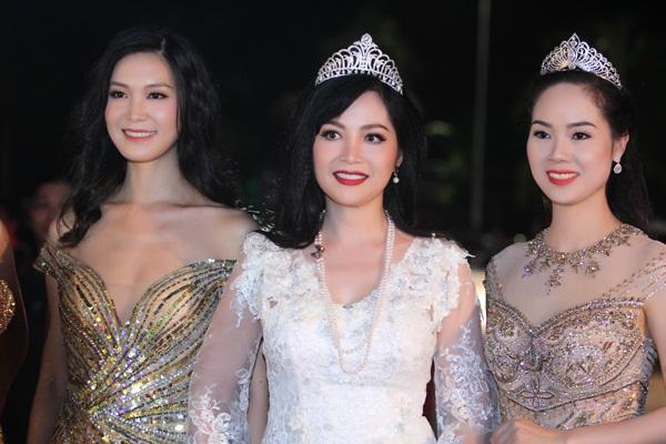 Gừng càng già càng cay, dàn Hoa hậu Việt Nam ở ẩn bất ngờ tái xuất lộng lẫy không kém cạnh đàn em-2