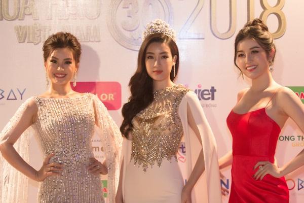 Gừng càng già càng cay, dàn Hoa hậu Việt Nam ở ẩn bất ngờ tái xuất lộng lẫy không kém cạnh đàn em-14