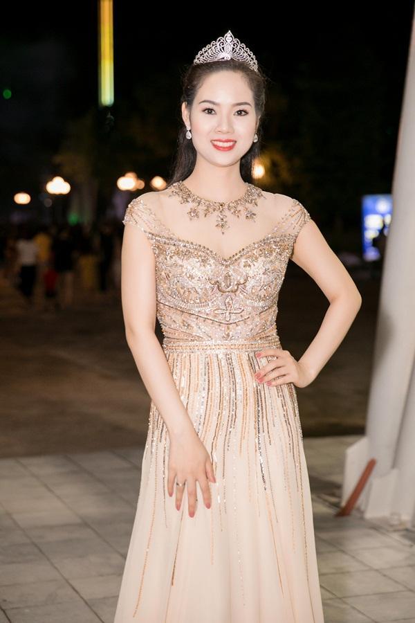 Gừng càng già càng cay, dàn Hoa hậu Việt Nam ở ẩn bất ngờ tái xuất lộng lẫy không kém cạnh đàn em-6