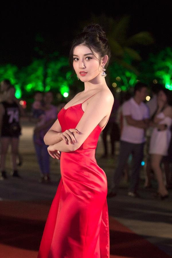 Gừng càng già càng cay, dàn Hoa hậu Việt Nam ở ẩn bất ngờ tái xuất lộng lẫy không kém cạnh đàn em-10
