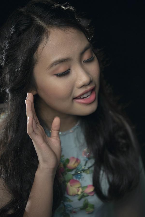 Vpop tháng cô hồn: Phương Mỹ Chi khoe vũ đạo trong MV xúc động về mẹ, Hương Tràm tung ballad mới-1
