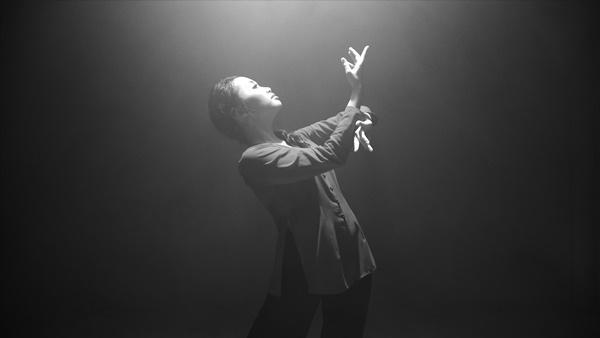 Vpop tháng cô hồn: Phương Mỹ Chi khoe vũ đạo trong MV xúc động về mẹ, Hương Tràm tung ballad mới-4