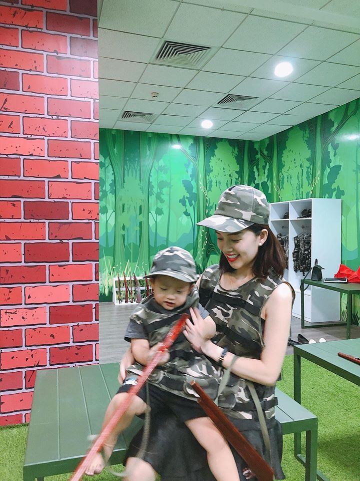 Mừng lấy lại Facebook sau thời gian đóng cửa, gái 2 con Huyền Baby khoe triệt để vòng 3 cực gợi cảm-9