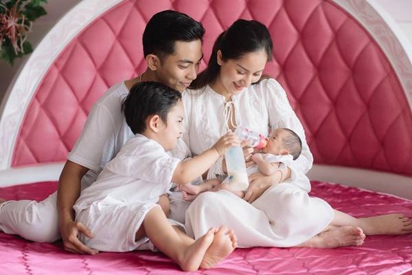Sau tin đồn chia tay, Khánh Thi muốn sinh con thứ 3 với chồng kém 12 tuổi-1