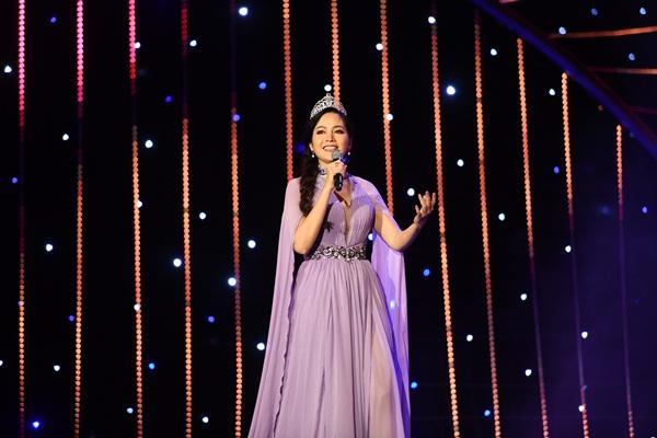 Cất giọng oanh vàng dày như một tảng băng, hoa hậu Nguyễn Thị Huyền gây sửng sốt vì hát quá hay-5